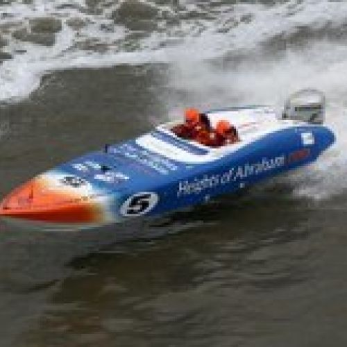 Sophie Pugh- Powerboat Racer